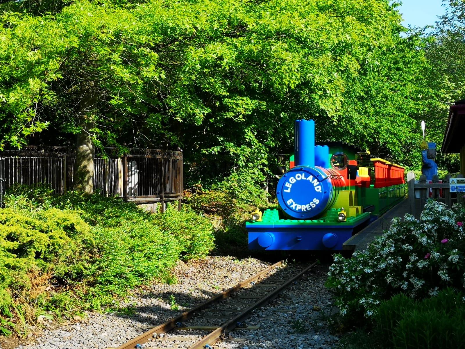 The LEGOLAND® Express | LEGOLAND® Windsor Resort